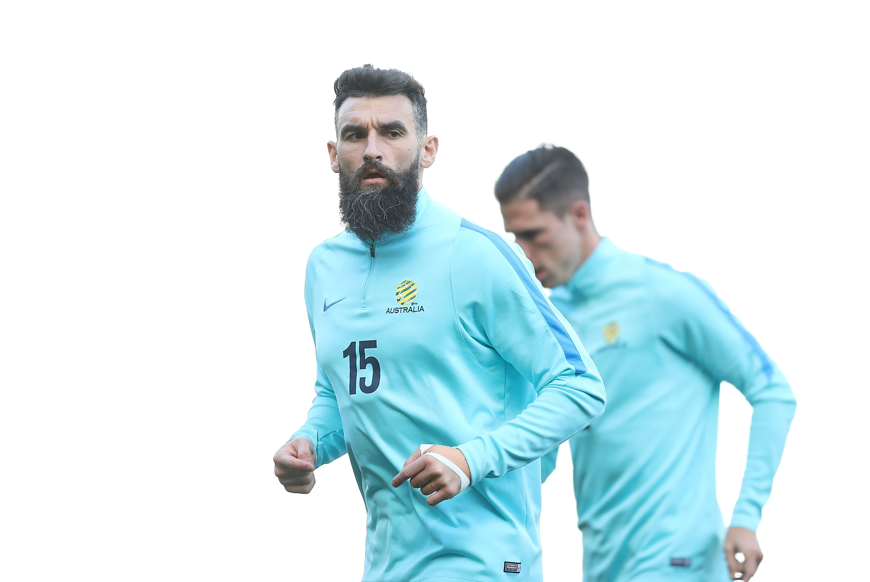 Mile Jedinak training