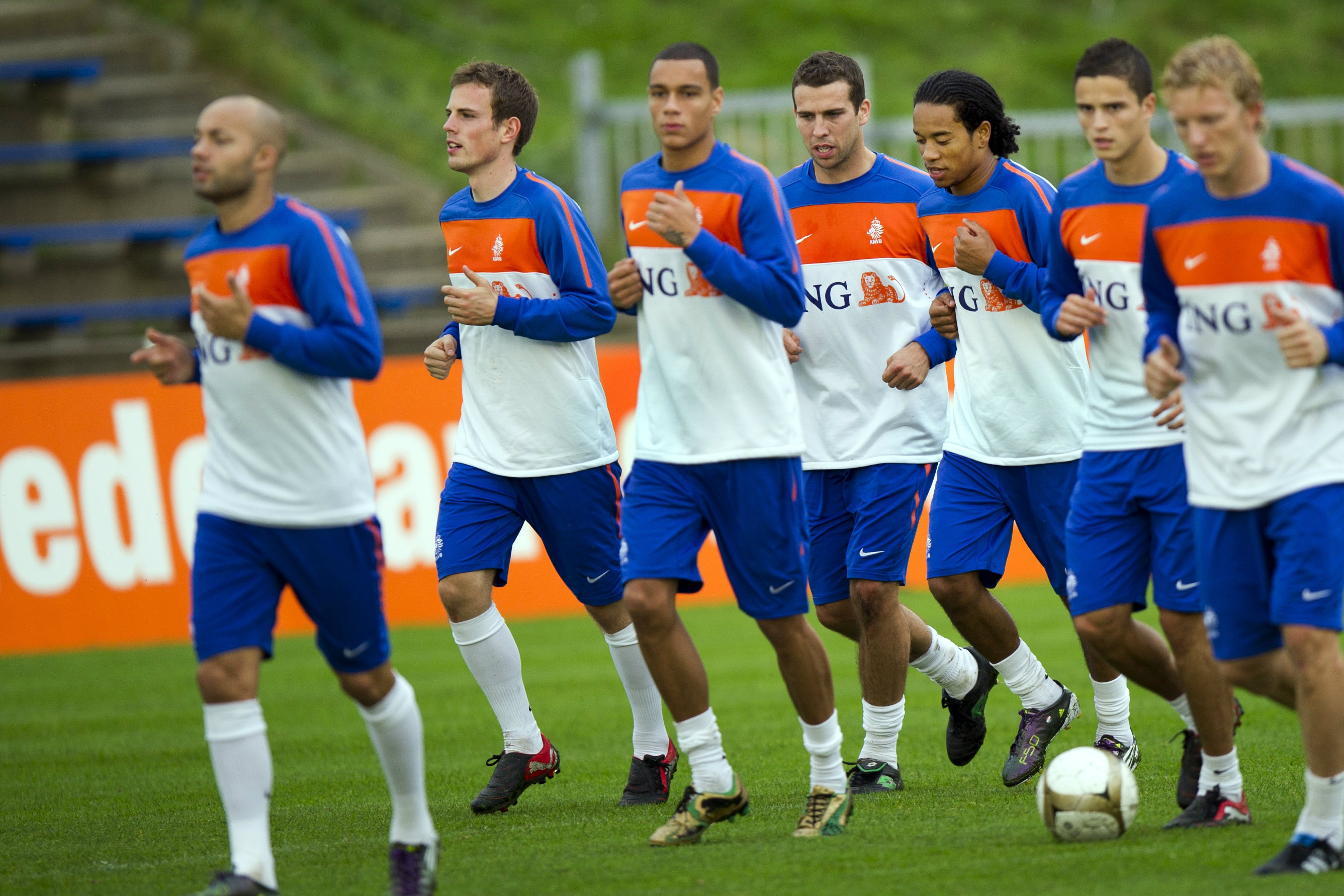 Wout Brama (second from left) training with the Dutch national team.