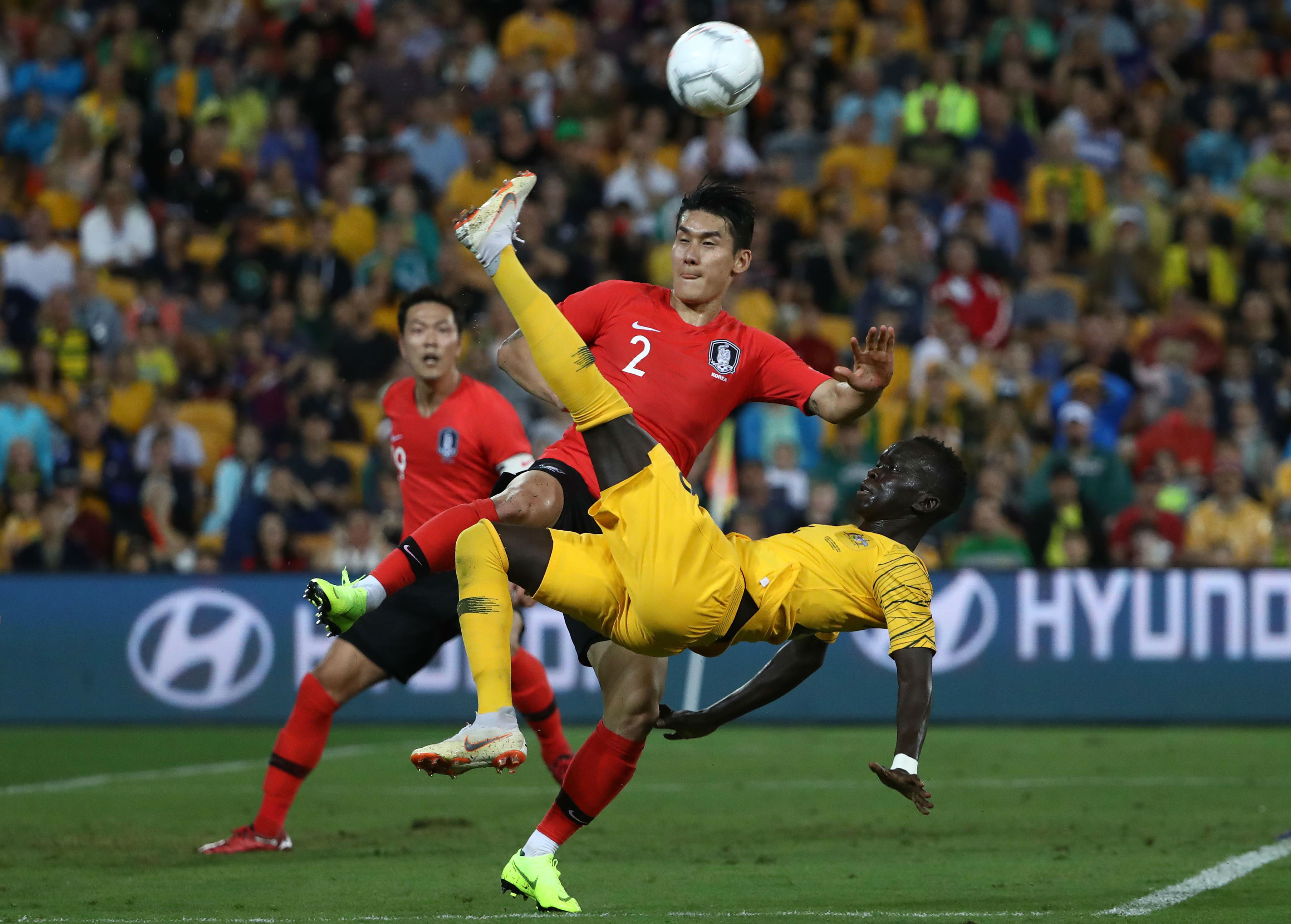 3fe7c81f6 Arnold made three changes to the eleven that defeated Kuwait 4-0 on October  16. Mathew Ryan came in for Danny Vukovic