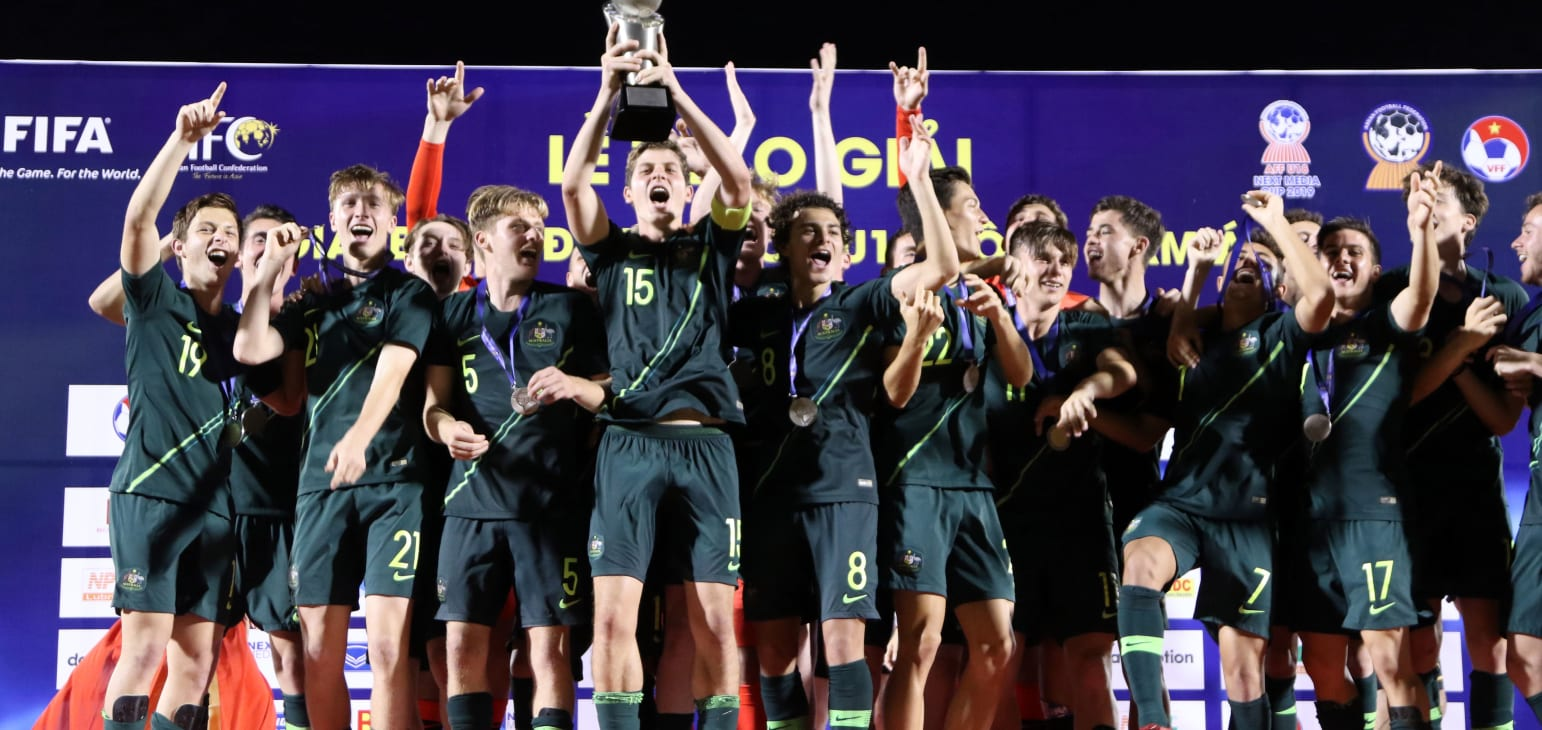 Trophy Lift Young Socceroos