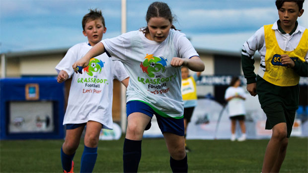 Young footballers enjoying the ALDI Miniroos activities in Tasmania. Image: Solstice Photography.