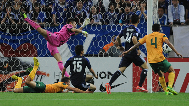 Tommy Oar's famous goal against Japan in the Socceroos World Cup qualifying.