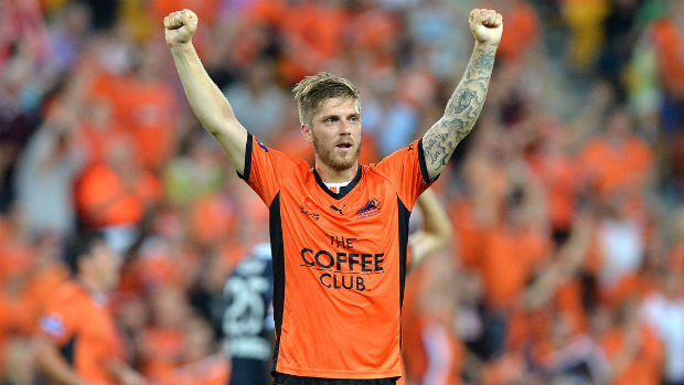 Former Brisbane Roar midfielder Luke Brattan has signed a four-year deal with Manchester City.