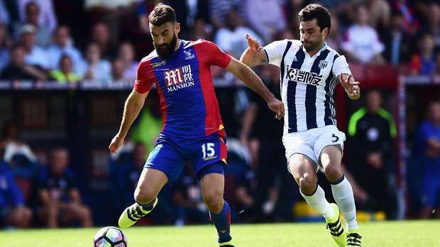 Mile Jedinak in action for Crystal Palace on the opening day of the EPL.