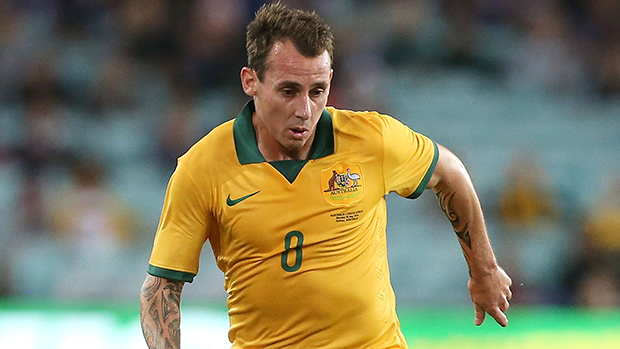 Luke Wilkshire has penned a 1-year-deal with Feyenoord.