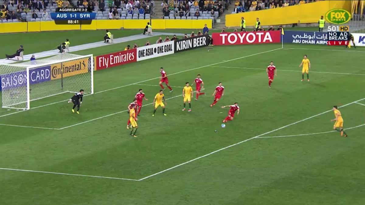Australia almost grab late winner