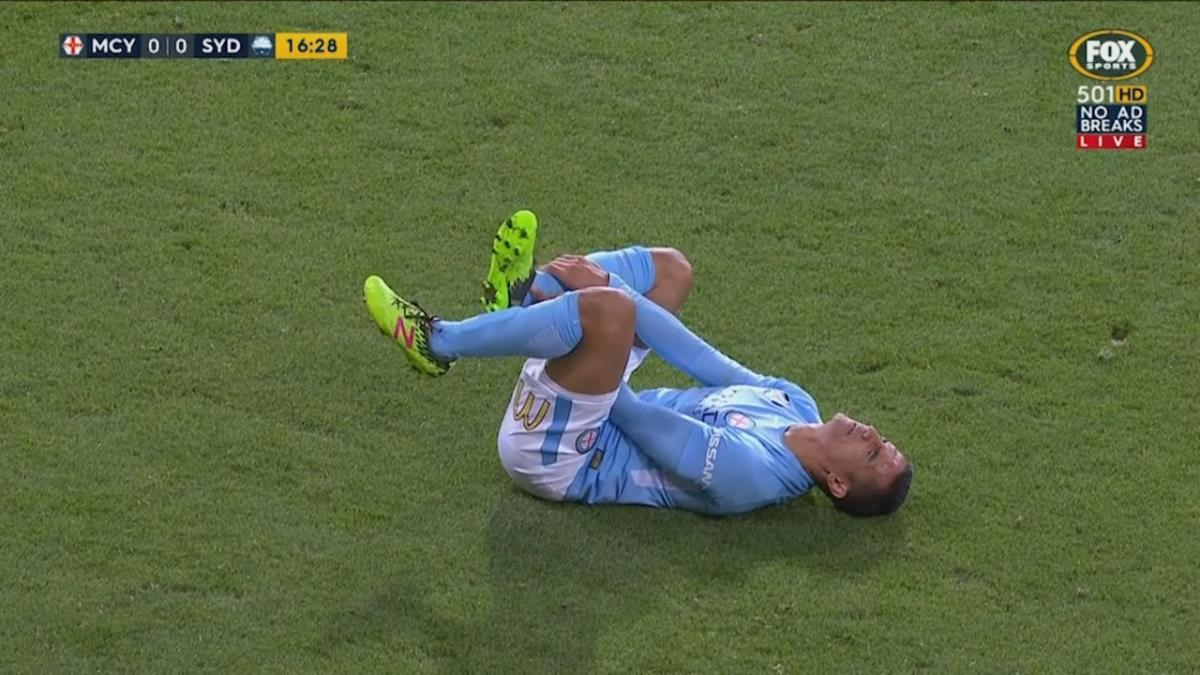 Cahill forced off with ankle injury