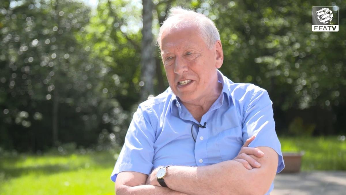 Martin Tyler: Football Passion