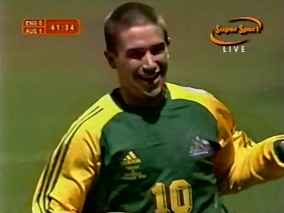 Harry Kewell doubles Socceroos' lead against England