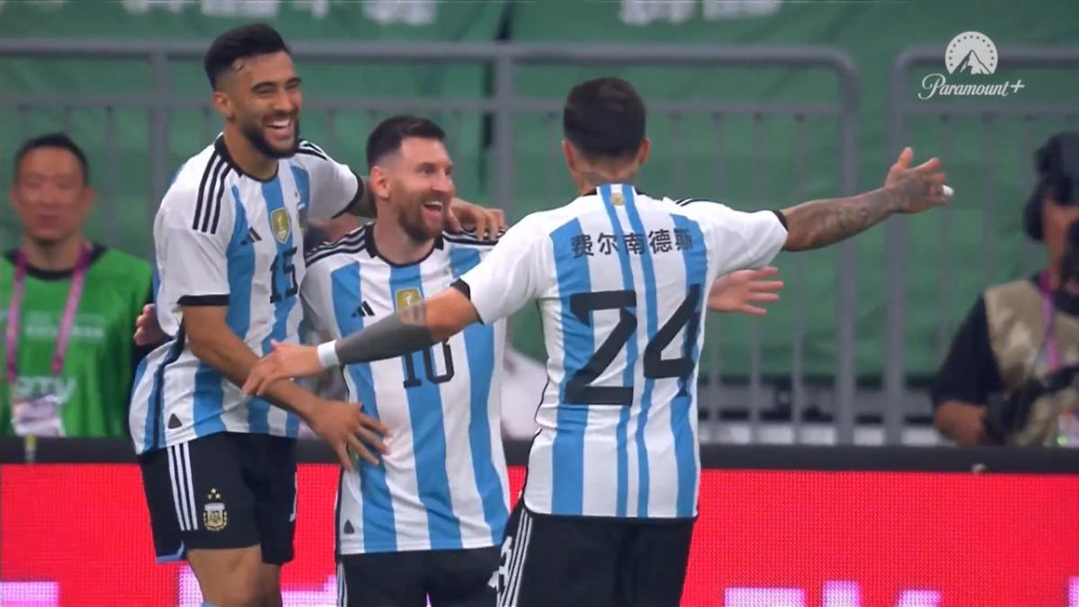 U-23's Piscopo gives Wellington lead v Sydney FC from penalty spot