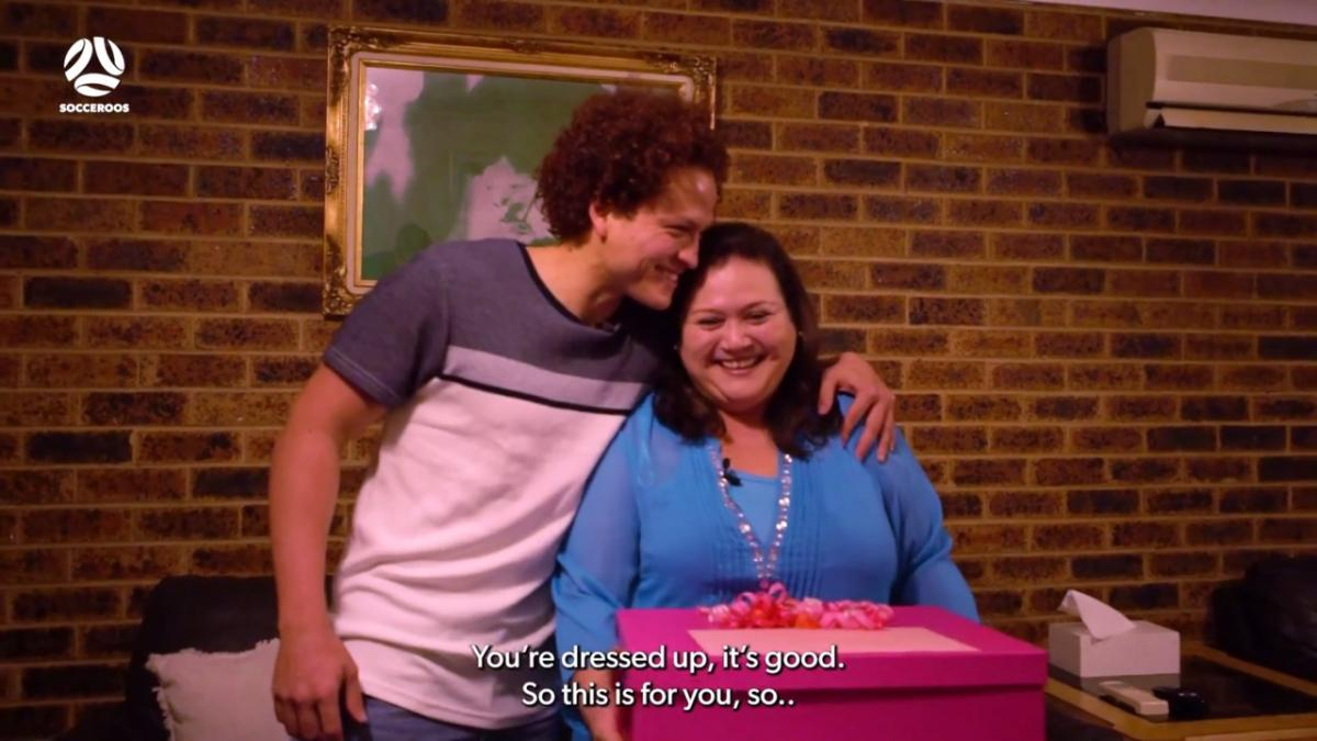 Socceroo Mustafa Amini surprises his mum for Mother's Day