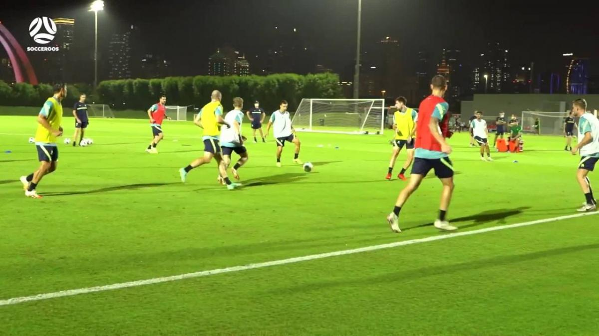 The Socceroos' slick one-touch passing drill