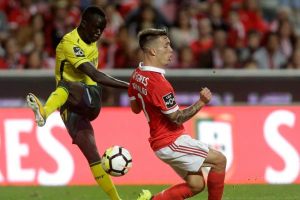 Awer Mabil in action for Pacos de Ferreira.