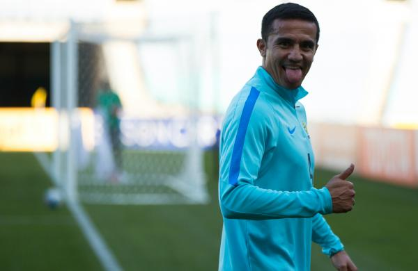 Tim Cahill thumbs up