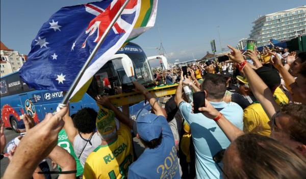 Day 37 Wrap: Socceroos greeted in incredible scenes