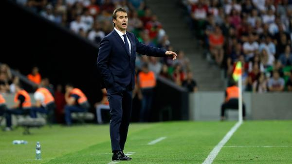 Spain sack head coach one day before FIFA World Cup™