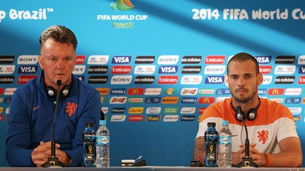 Dutch coach Louis van Gaal and midfielder Wesley Sneijder address media ahead of clash with Socceroos.