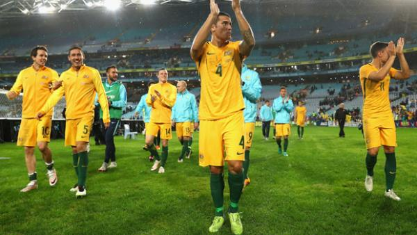 Robbie Kruse says home support is vital for the Caltex Socceroos against UAE on Tuesday night.